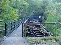 Puente de Arnizo en el Valle de Turón.
