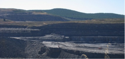 Corta de mina a cielo abierto en Fabero. ALVAREZ ARECES, Miguel Ángel.